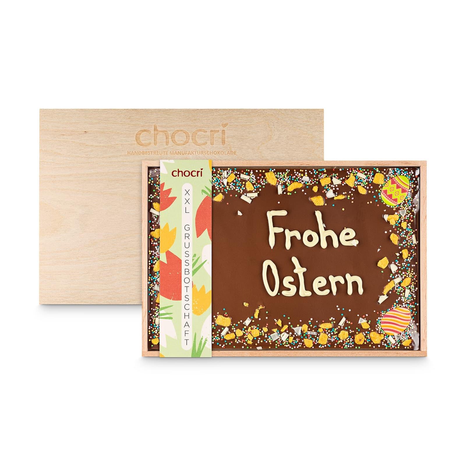 XXL Vollmilch-Schokoladentafel handbeschriftet mit Oster-Botschaft in einer hochwertigen Holzkiste