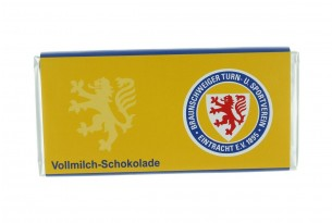 """Mit der Schokoladentafel von """"Eintracht Braunschweig"""" schmeckt's einfach besser"""