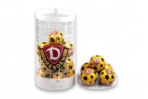 """Die Schoko-Kugeln der """"SG Dynamo Dresden"""" in der Schokoladen-Dose - das Runde muss in den Mund"""