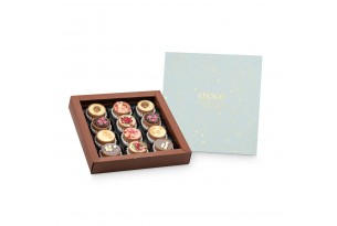 "chocri sommerliche Cup-Pralinen ""Everyday's Darling"" in der goldverzierten, offenen 12er Box"