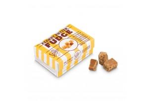 chocri / Mr. Stanley's Fudge aus Karamell mit Erdnüssen verfeinert in einer gelb-gestreiften Geschenkverpackung