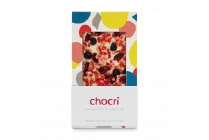 """chocri weiße Schokoladentafel """"Omas Rote Grütze"""" mit verschiedenen Beeren in der Verpackung"""