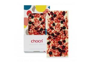 """chocri weiße Schokoladentafel """"Omas Rote Grütze"""" mit verschiedenen Beeren in der Verpackung und einzelnd davor stehend"""