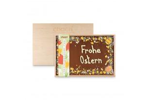 XXL Vollmilch-Schokoladentafel handbeschriftet mit Oster-Botschaft in einer hochwertigen Holzkiste verpackt in Holzkiste