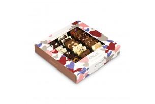 """chocri Schokoladenmix Weltreise """"Zeit zu Zweit"""" Tafeln im Doppelten Genuss mit liebevollen Zutaten wie Schokoherzen in der Valentinstagsverpackung mit Herzen"""