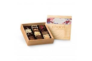 """chocri Schokoladentafeln Mix Weltreise """"Zeit Zu Zweit"""" in offener und edlen Holzbox"""