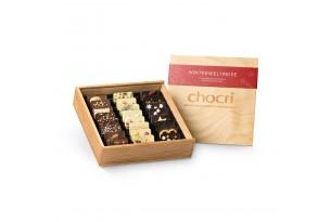 """chocri """"Winterweltreise"""" Mini-Schokoladen-Tafeln in Holz-Box geöffnet"""