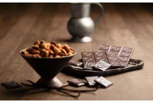 """Laurence """"Dunkle Schokolade mit Mandeln"""" Schokoladen-Tafel"""