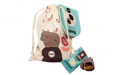 "BARÚ ""Dreamy Hippos Dark Chocolate Sea Salt Caramel String Bag"" Praline"