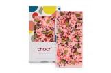 chocri Erdbeerschokoladentafel mit Erdbeeren,Pistazien und Heidelbeerbruch in der Verpackung und einzelnd davor stehend