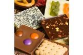 chocri Schokoladentafeln Mix Weltreise 'Klassik' mit Zutaten wie Chiasamen Nahaufnahme, Detailansicht
