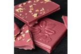 Weiße Schokolade 'Rote Beete Rhabarber' Tee-Schokolade mit Rhabarber und Rote Beete im Detailansicht