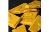 Weiße Schokolade 'Kurkuma Zimt' Tee-Schokolade mit Kurkuma, Zimt und Ingwer - auch goldene Milch genannt im Detailansicht