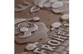 Ruth 'Weihnachtstrio' Schokoladen-Tafel aus Vollmilchschokolade Fokus Detail Releif