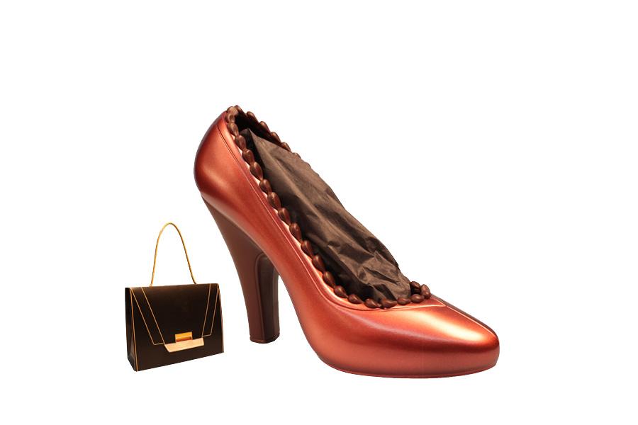 roter High Heel aus Zartbitterschokolade