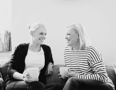 "Rheinherztelbe Jessica & Rebekka chocri Blog-Schokolade ""Goldige Glücksmomente"""