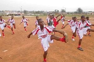 Die Fußballer des Heims bereiten sich in chocri-Teamware auf das Spiel vor