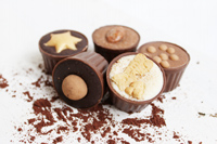 Köstliche Pralinen-Cups von chocri mit edlen Füllungen