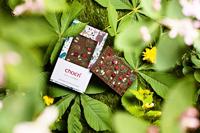 Wie Kinder sommerlich im Grünen chillen und mit Manufaktur-Schokolade von chocri den Appetit stillen