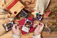 Überhaupt ist Weihnachten chocri-Zeit: handgemachte Schokoladentafeln, lustige Figuren, edle Weltreisen, verführerische Trinkschokoladen, zauberhafte Adventskalender und und und... laden förmlich dazu ein, die festliche Zeit gemeinsam so richtig zum Fest zu machen
