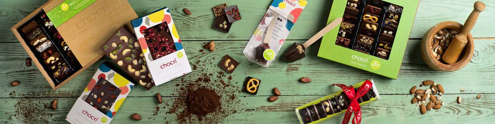 vegane Schokolade aus Reismilch mit verschiedenen Bestreeungen - das passende Geschenk fuer Veganer findet ihr im chocri Shop